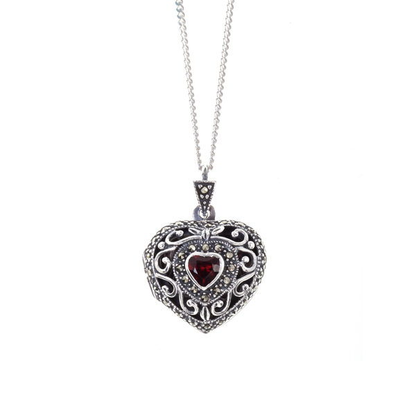 silver_necklace_vintage_heart