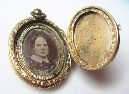 Lockets Lilyblanche